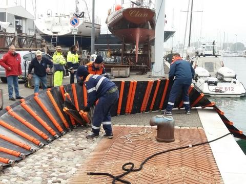 Le panne stanno per essere dislocate nel porto canale di Rimini